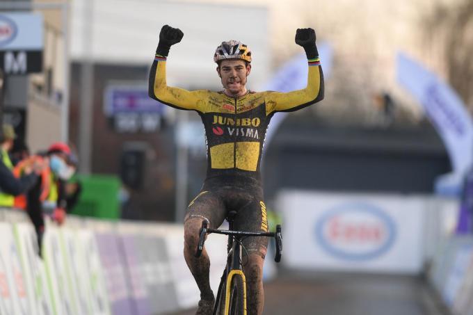 Topfavoriet Wout van Aert won voor de vierde keer het Belgisch Kampioenschap.©DAVID STOCKMAN BELGA
