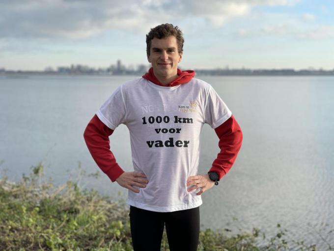 Willem wil tegen 21 augustus 1.000 kilometer gelopen hebben. Die dag, vijf jaar geleden overleed zijn vader.©Jeffrey Roos JRO