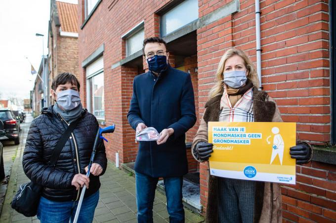 Marion Colman, Mathijs Goderis en Sophie De Meyere. Marion startte vijf jaar geleden al met zwerfvuil ruimen.©Davy Coghe Davy Coghe