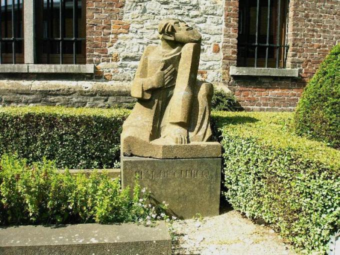 Onder meer het grafmonument van René De Clercq in Deerlijk werd als beschermenswaardig gecatalogeerd.© http://www.rene-de-clercq.be/