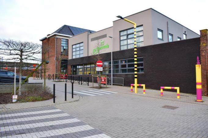 Door uitbreiding van de zone 30 en aangepaste signalisatie zal het wellicht veiliger worden in de omgeving van VBS De Biesweide.© ZB