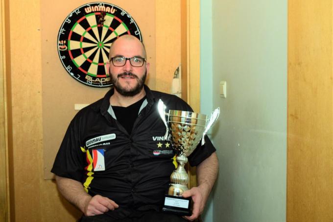 Gewezen Belgisch Kampioen 2018 G-darts Vincent D'Hondt is opgetogen dat er ook een nieuwe generatie dartsspelers klaar staat in ons land.© ZB