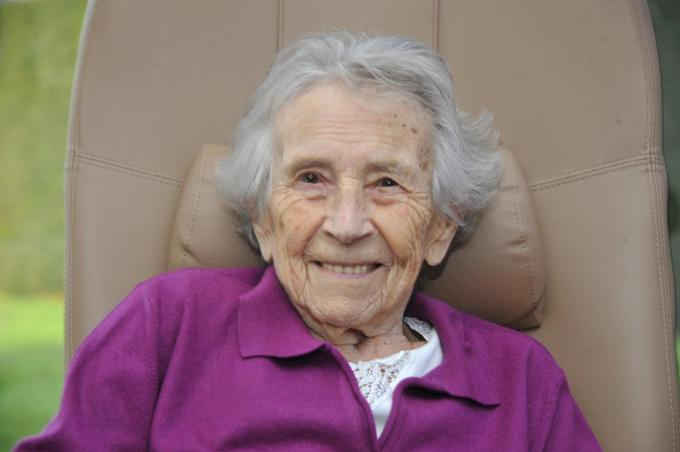 Maria Allee, oma van Thomas Buffel, wordt vandaag 15 januari 100 jaar. (foto GST)