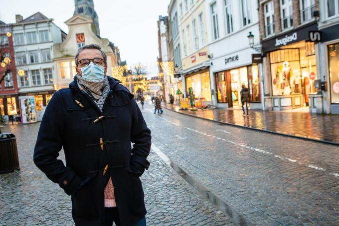 """Dirk Vanheghen, de nieuwe voorzitter van het Brugs Handelscentrum: """"Horeca en shoppen zijn communicerende vaten, ze kunnen niet zonder elkaar."""" (foto DC)©Davy Coghe Davy Coghe"""
