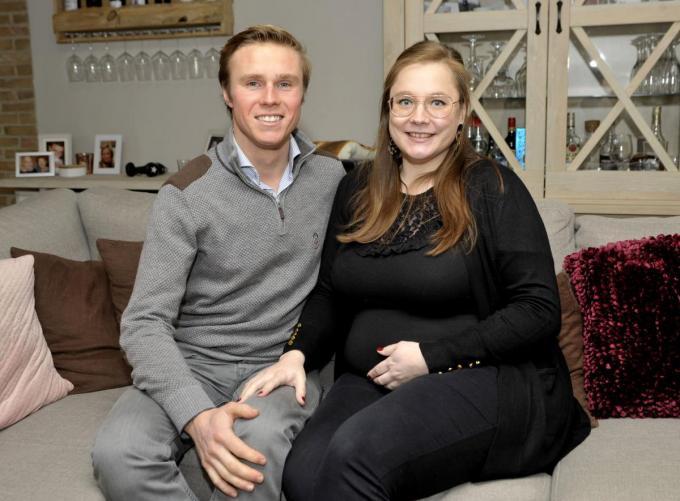 Lisa – zwanger van een dochtertje – en Steven voelen zich nu gezonder en fitter, met dank aan Fitplan. (foto FODI)©FODI