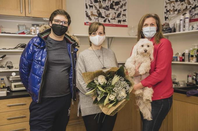 Jolanda Kause, Dempsey Verheye en Nancy Castelein van vzw Sociale Dierenhulp. (foto OV)