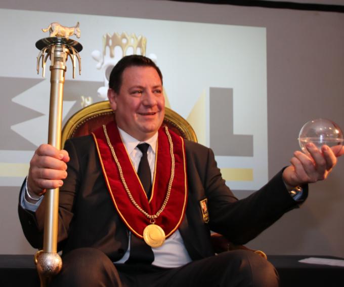 Koning Ezel David Claeys mag langer regeren.© BRU