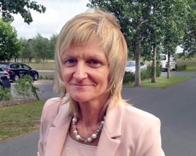 Ria Dekoninck is maar 56 jaar geworden. Jarenlang heeft ze met grote gedrevenheid Staminee 't Brugtje gerund.©Johan Sabbe