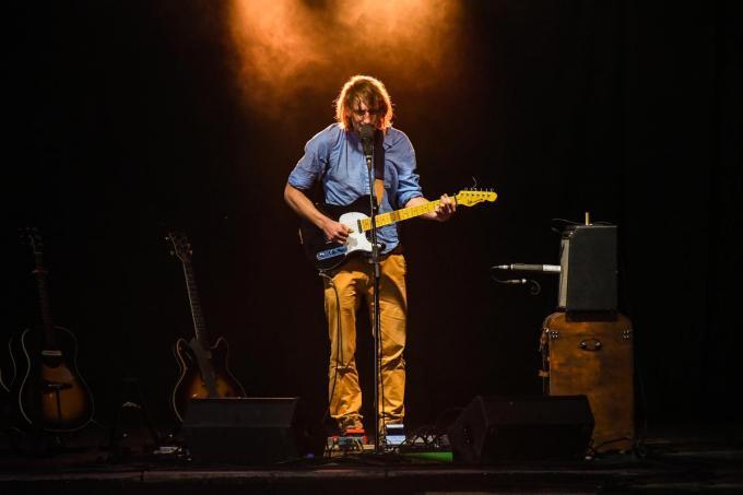 Dries brengt intieme folknummers in de traditie van Young en Dylan.© Muziekcentrum Dranouter