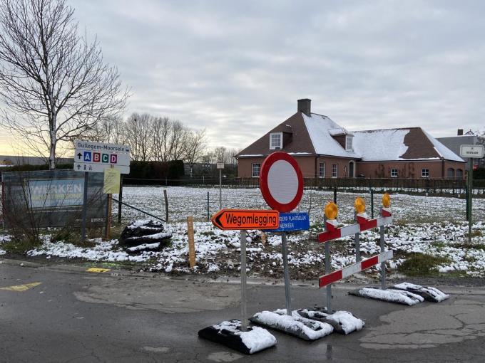 Het kruispunt van de Oostlaan met Driemasten wordt zo ingericht dat het verkeer dat van Sint-Eloois-Winkel komt, rechts naar de Oostlaan wordt geleid. Oostlaan wordt geleid.©Stefaan Lernout SL