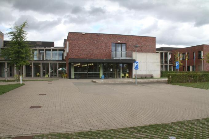 In wzc De Boomgaard is bezoek nu enkel mogelijk in twee babbelboxen.© pco