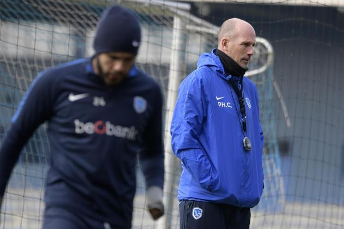 Genk's Alejandro Pozuelo and Genk's head coach Philippe Clement pictured during a training session of Belgian soccer team KRC Genk, Wednesday 20 February 2019 in Genk, ahead of the match against Czech republic club Slavia Prague, in the return leg of the 1/16 finals (group of 32) of the Europa League competition. BELGA PHOTO YORICK JANSENS© BELGA