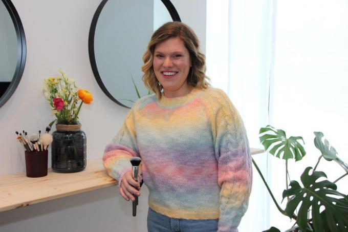 Sarah wil binnen haar studio en via de sociale media de mensen leren dat make-up en huidverzorging een plezier kan zijn. (foto Jan)