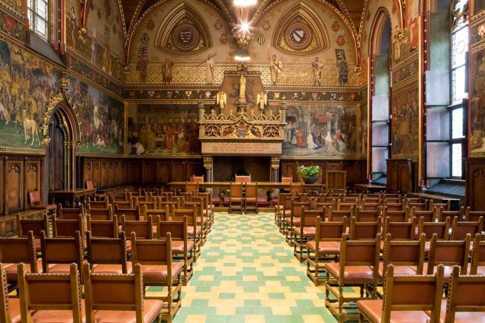 De gotische zaal van het Brugse stadhuis waar de pensioenvieringen plaats vonden. (Foto Davy Coghe)©Davy Coghe Davy Coghe