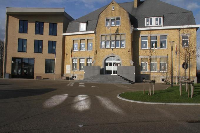 Het gemeentehuis van Langemark-Poelkapelle.©pco