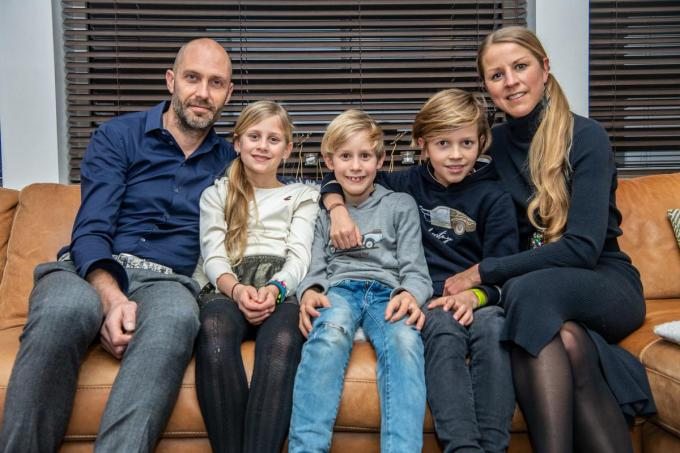 Lot Decock met echtgenoot Michael en hun drie kinderen.©Frank Meurisse Frank Meurisse