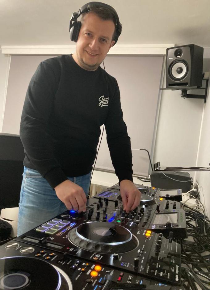 Andy Eeckhautte, aka DJ Onix, wil zijn ervaring doorgeven aan jongere generaties.© Tom Verbiest