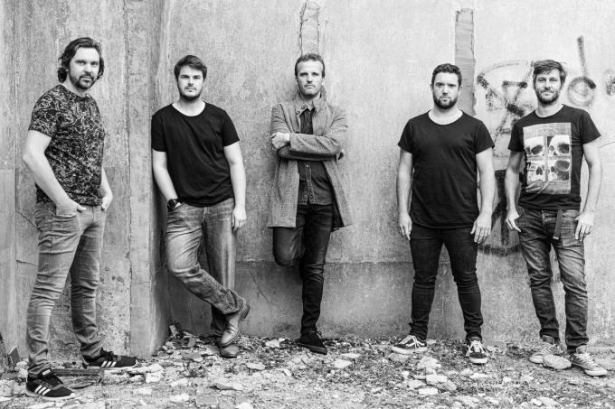 Van links naar rechts Carl Vangheluwe, Pieter Desmet, Bert Goethals, Stefaan Degryse en Wannes Desramault.© (foto Karl Vandewoestijne)