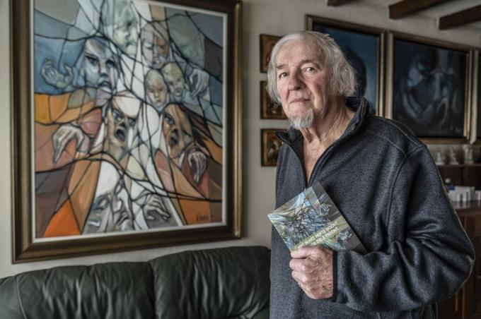 """Wilfried Vervisch: """"Ik schrijf leesbare gedichten, je moet ze geen vijfmaal opnieuw lezen om te weten wat erin staat"""".©STEFAAN BEEL Stefaan Beel"""