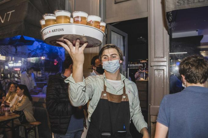 Het einde van de examens vieren met een feestje in de Overpoort zit er niet in. (foto a-OV)