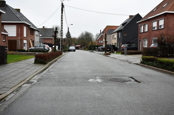 Ook de voetpaden van de Huttegemstraat worden vervangen.© TVW
