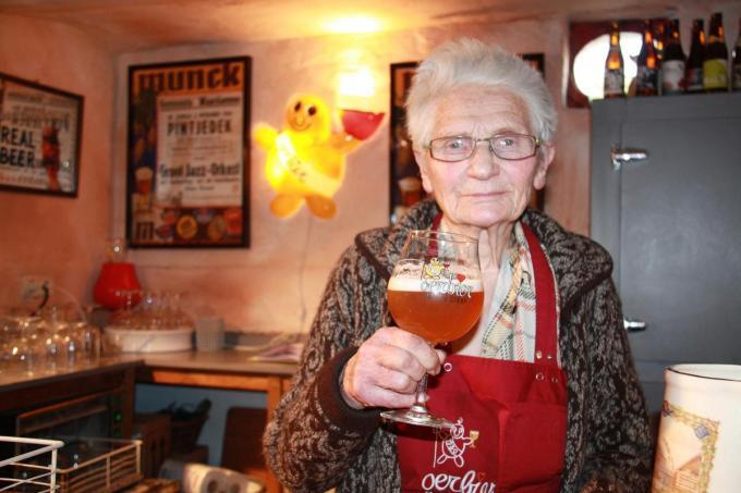 Gert Herteleer leidde de bezoekers elke zondag rond in brouwerij De Dolle Brouwers.© (Foto GUS)