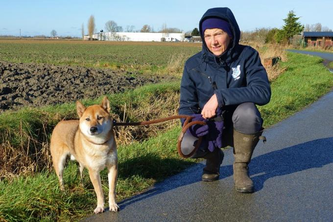 Obi en Anne Marie gaan graag samen op wandel.© AN