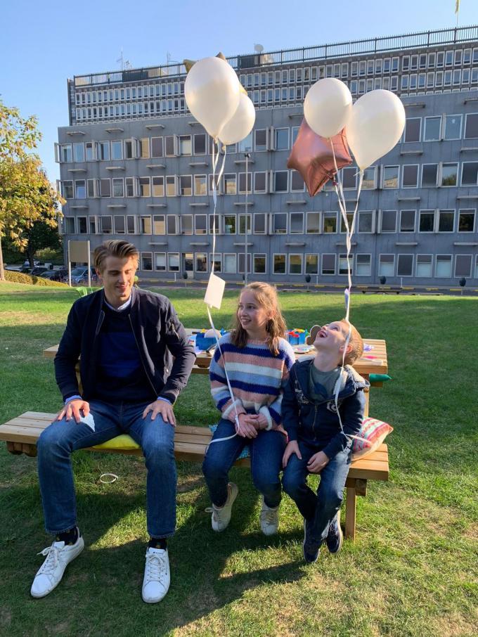 Elien en Maxiem met Vince van #LikeMe.© GF