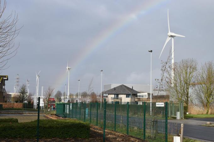 De windmolens in de Ieperse industriezone. (Foto TOGH)