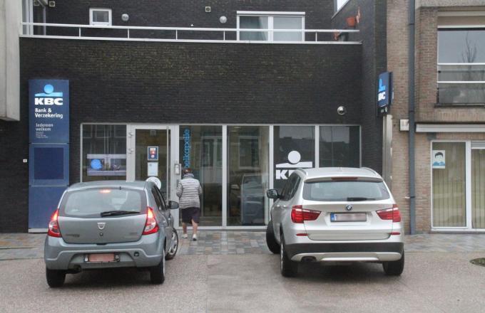 Op 11 februari sluit het kantoor van KBC in de Kasteelstraat, nochtans een goed draaiend hoofdkantoor in Langemark.© pco