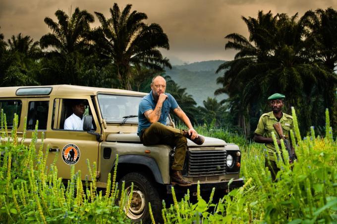 Dominique Persoone in het Virunga Nationaal Park in Congo.© Kris Van Exel