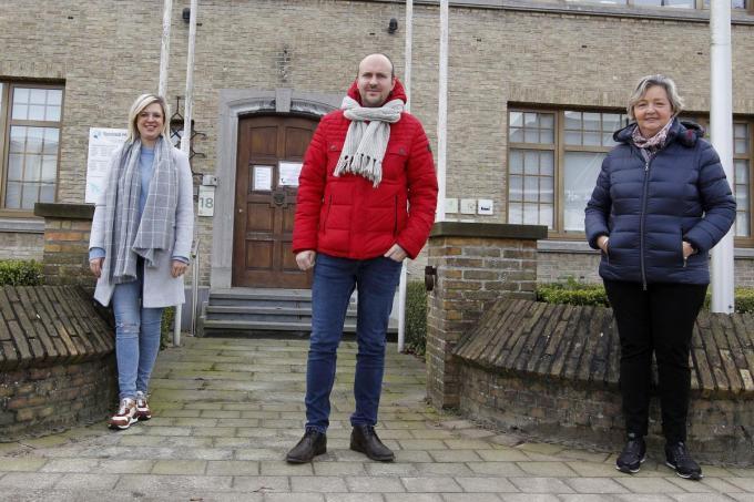 We zien van links naar rechts Sofie Bonny, Stijn Ramboer en Katrien Anseeuw. (foto Coghe)©GINO COGHE Foto Coghe