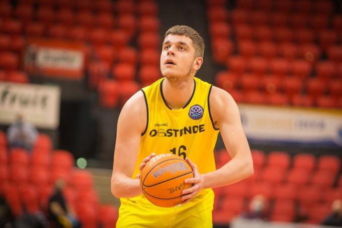 Het duurt nog eventjes voor we Haris Bratanovic opnieuw op het terrein zien.© PR