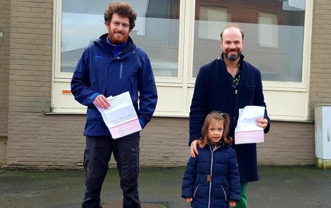 De initiatiefnemers Jean-Luc Demurie (l) en Volkert Lapere van het burgerplatform zullen verder de vinger aan de pols houden.© GV