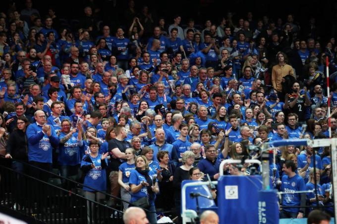 Vorig jaar reisde de blauwe armada nog mee naar Antwerpen om Knack Roeselare naar een vijfde bekerwinst op rij te schreeuwen. Dit jaar zal er niet in het Sportpaleis, maar in de Lotto Arena gespeeld worden. En dit keer zonder de vocale steun van de vele fans.©VDB / Bart Vandenbroucke VDB