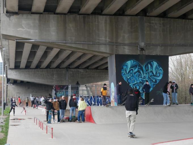 De skaters gaan in overleg met stad en politie.© FM