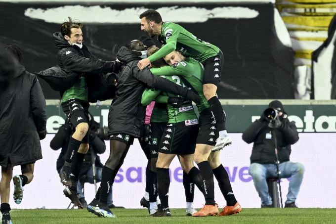 Cercle mag vieren na 3-1 tegen Oostende. Groen-zwart stoot door in de beker.©JASPER JACOBS BELGA