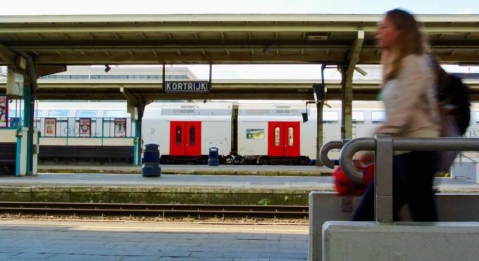 De feiten deden zich voor in het station van Kortrijk. Verschillende vrouwen meldden hoe de man hen betastte.© BELGA