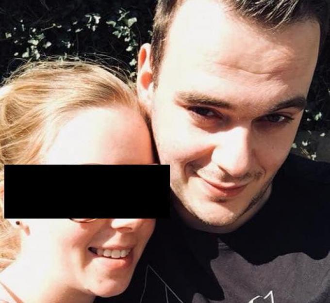 S. met slachtoffer Bjorn De Vrieze. (gf)