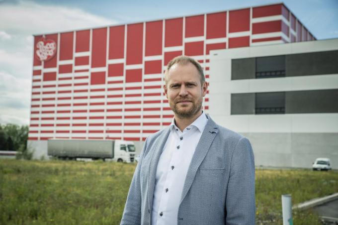 Directeur Rogier Verkarre aan Poco Loco, binnenkort komt er een volledig nieuwe productiehal.©STEFAAN BEEL Stefaan Beel