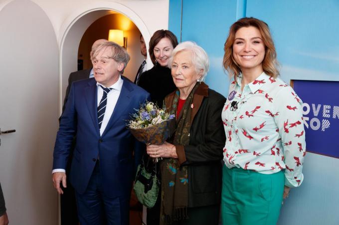 Het overkophuis in Oostende kreeg bezoek van koningin Paola en Evi Hanssen. Chris Van Lysbetten is de coördinator van Habbekrats, waar het OverKophuis toe behoort. (foto Belga).©KURT DESPLENTER BELGA