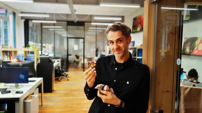 Joeri Christiaen met zijn 'Mush-Mush-zwammetjes'.© MVO