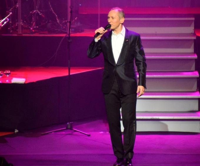 Ook dit jaar zie je op zondagavond geen Helmut Lotti op de Menne optreden.©FODI