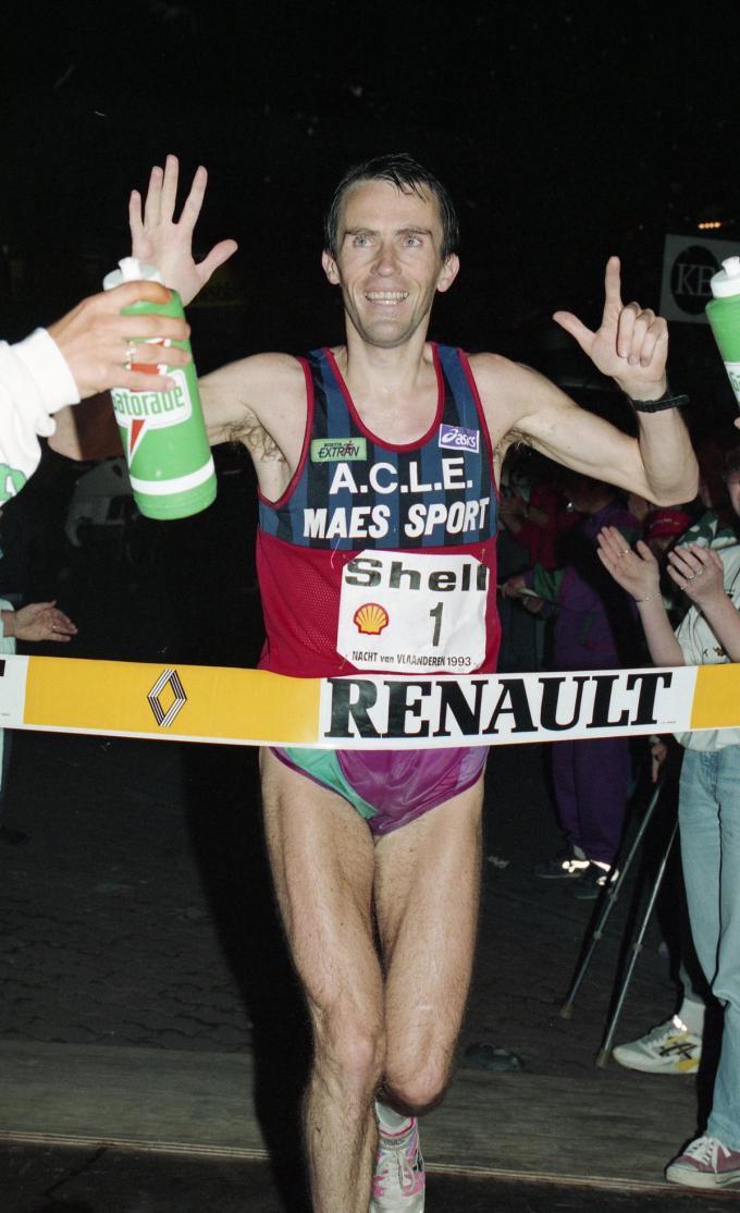 Jean-Paul Praet won in 1993voor de zevende keer de 100 km tijdens de Nacht van Vlaanderen.© ARCHIEF BELGA