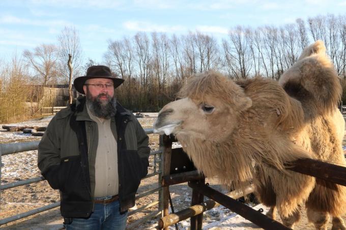 Zaakvoerder Karel Ackaert is blij dat hij weer bezoekers mag ontvangen.© foto EF