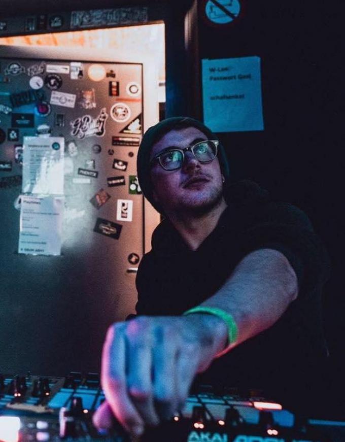 Felix Ysenbaert werkt in maart samen met Brent Vanneste (STAKE) voor een livestream (gf).