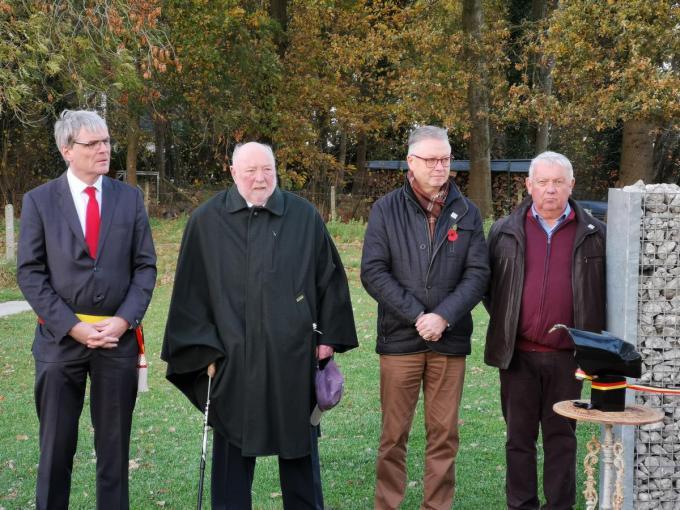 We herkennen burgemeester Patrick Lansens, Horst Friedrich Höhn, Gerdi Staelens en Rudy Willaert.© BC