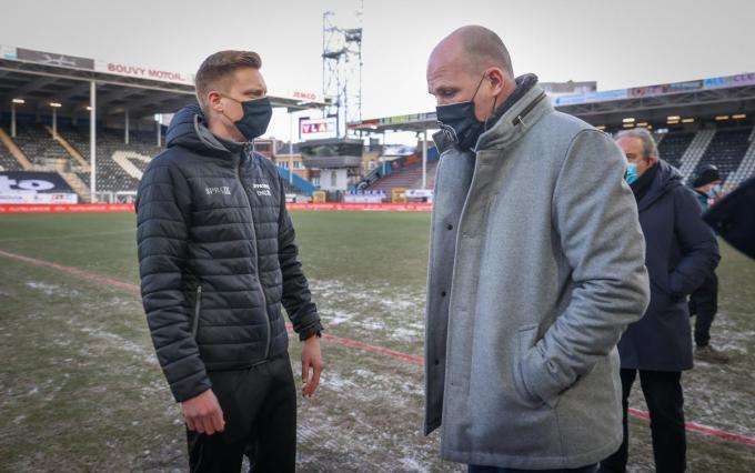 De match van Club Brugge op en tegen Charleroi kon gisteren niet doorgaan door het ijzige veld.©VIRGINIE LEFOUR BELGA