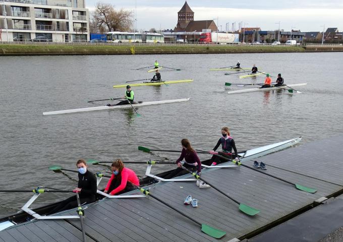 De KRNSO-atleten voor aanvang van de training op dinsdagmorgen.© FRO