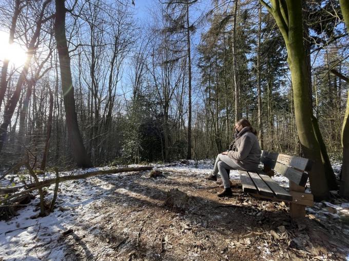 Marijke Vandekerckhove speelde al een poos met het idee om een plaats in de natuur in te richten als een lokaal oord van stilte en troost.© TP